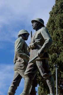 IMGP9827 Monument to the fallen of the first and second world war
