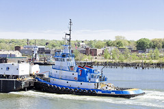 r_180509171_beat0037_a (Mitch Waxman) Tags: killvankull newyorkcity newyorkharbor tugboat newyork