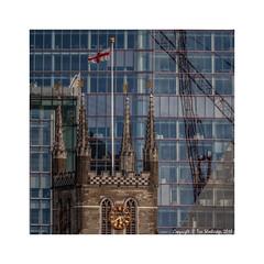 Old and New (Tim Shoebridge) Tags: em1markii olympus southwark mirrorlens cathedral cityoflondon city london tamron 500mm