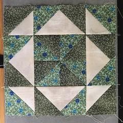 Dreiecke (Sockenhummel) Tags: patchwork block dreiecke stoff quilt grün sahummel