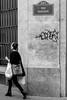 Rue Réaumur (ici_lolo) Tags: reaumur parisienne woman girls ruesdeparis dansparis sheis emplettes shopping shoppingparis walkinginparis strass paris madchen paris2e défensedafficher tag danssamusique