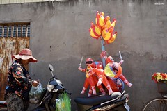 Red Balloon Owner (NoRulesArt) Tags: colours cambodia siemreap red balloons markets colourful bunt streetphotography sonyalpha sonya7s photography travel southeastasia
