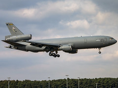 United States Air Force | McDonnell Douglas KC-10A Extender | 87-0118 (Bradley's Aviation Photography) Tags: usaf us usa raf military mil mildenhall rafmildenhall mcdonnelldouglaskc10aextender mcdonnelldouglas kc10 dc10 extender unitedstatesairforce canon70d 870118