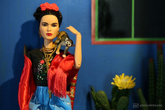 frida and her pet (photos4dreams) Tags: room roombox raum design cardboard karton 3d diorama photos4dreams p4d photos4dreamz fridakahlo barbie collectors doll puppe home haus casaazul regularlifeinthedollhouse toy dress mattel barbies girl play fashion fashionistas outfit kleider mode puppenstube tabletopphotography artist künstlerin celebrity paintings bilder malerei mexikanisch mexican southamerica südamerika