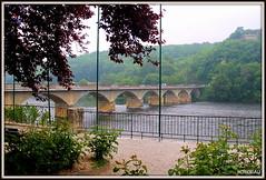 LALINDE (Dordogne) (Les photos de LN) Tags: lalinde dordogne périgord nouvelleaquitaine pont monument jardin panorama fleuve