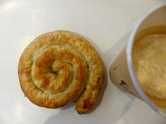 Börek mit Spinat. Und Kaffee. (remember moments) Tags: dietmarvollmer börek spinat coffee kaffee spirale helix spiral food pastries gebäck
