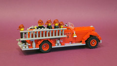 Bickle Seagrave fire truck (| Nouvilas ⟩) Tags: lego minifig car truck fire firemen 1930s bomberos camión harlem