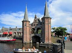 Sneek: Waterpoort (Henk Binnendijk) Tags: sneek friesland fryslan nederland netherlands waterpoort watergate bridge brug hoogend hoogendsterpijp kolk stadsgracht fryslân