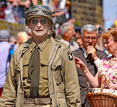 Haworth 1940's Weekend 2018 (grab a shot) Tags: canon eos 5dmarkiv haworth haworth1940sweekend england uk yorkshire westyorkshire brontecountry reenactment livinghistory war worldwar2 ww2 wwii 1940s homefront oldfashioned vintage warweekend 2018 people outdoor man uniform army soldier military usarmy airborne screamingeagles 101stairbornedivision