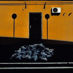 (kitowras) Tags: iphonephoto colors street minimalism