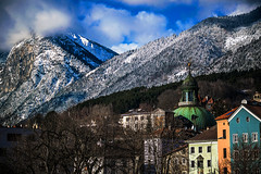 That would help the case (Melissa Maples) Tags: innsbruck österreich austria europe nikon d3300 ニコン 尼康 nikkor afs 18200mm f3556g 18200mmf3556g vr winter snow mountains dome houses