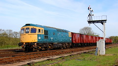 Signal passed (Duck 1966) Tags: swithland 33035 class33 diesel locomotive goods train vans gcr emrps