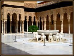 Eleganza moresca (magister111) Tags: spagna spain andalusia granada courtyards cortiletti alhambra