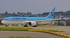 ZRH/LSZH: KoreanAirlines Boeing B787-9 Dreamliner HL-8085 (Roland C.) Tags: zrh lszh airport zurich switzerland kloten boeing b787 b789 b7879 kal korean koreanairlines hl8085 airliner aircraft airplane