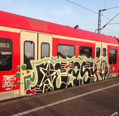 PEASY (rebecca2909) Tags: loopcolorsgermany loop colors trains train graff graffiti germany köln cologne peasy nicecrew nice