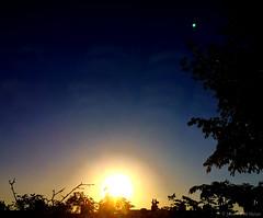 06:52 12.05.18 (jpmm) Tags: 2018 amsterdam sunrise zuid wolken clouds stratus