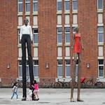 Mann und Frau / Stephan Balkenhol thumbnail