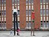 Mann und Frau / Stephan Balkenhol (tgrauros) Tags: alemania alemanya allemagne deutschland esculturas escultures freieundhansestadthamburg germany hamborg hambourg hamburg mannundfrau sculptures stephanbalkenhol zentralbibliothekhamburg