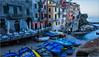 un matin à Riomaggiore (kalzennyg) Tags: riomaggiore italie cinqueterre maisons house barques kalzennyg boats méditérannée