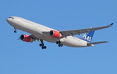 SAS (Scandinavian Airlines) Airbus A330-343 LN-RKH (Fasil Avgeek (Global Planespotter)) Tags: sas scandinavian airlines airbus a330343 lnrkh air airways airport iad kiad a330300 jet aircraft airplane airliner jetliner