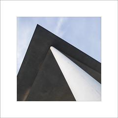 Bundestag (4) (Peter de Bock (exploring)) Tags: bundestag shadeonthewall gebouw art mooi beton steen berlijn berlin duitsland wall ddr paullöbehouse paullöbe tilt shift tiltshift