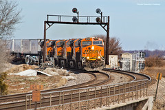 Like Something Out of a Peter Gabriel Video (tim_1522) Tags: railroad railfanning rail illinois il bnsf burlingtonnorthernsantafe searchlight signals generalelectric gevo es44c4 c449w