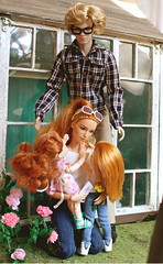 Happy Mother's Day! (kinmegami) Tags: mera doll homme integrity toys barbie barbiemadetomove hybrid chelseadoll kelly obitsu 11 picconeemo diorama miniature miniatureflowers maledoll madetomove