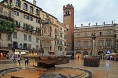 Fontana madonna Verona (rob.brink) Tags: verona italie italia europe europa city urban architecture emiliaromagna fontana madonna