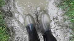 Muddy Nora Anton in the Rain (Part 2) (rubberboy1990) Tags: gummistiefel rainboots rubberboots rainwear rain schlamm matsch mud nora anton