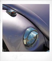 Jus_Polaroids03 (reinhard_srb) Tags: artwork polaroid automarke automobil oldtimer ausstellung logo farbe fahrzeug historisch detail karosserie blech lack design spiegelung glanz sammler vw käfer blinker kotflügel silber scheinwerfer glas sonne