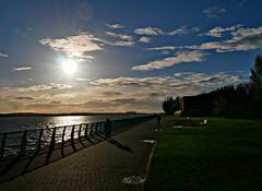 Late evening Promenade (ronramstew) Tags: mersey merseyside liverpool river evening spring promenade walk
