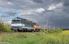 La Yaya pour Sotteville (bb_17002) Tags: vehicule paysage locomotive landscapes paysages banlieue champs a1a 68000 sncf diesel railway train villeneuve sotteville normandie idf