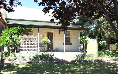 52 Thompson Street, Cootamundra NSW 2590