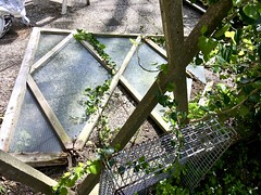 20180502 kapot (enemyke) Tags: pixeldiary mei 2018 rothuizen design wederopbouw schutting ongeluk accident kapot