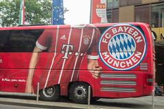 FC-Bayern München Teambus in Köln (marcoverch) Tags: iphonex köln nordrheinwestfalen deutschland de vehicle fahrzeug car auto transportationsystem transportsystem bus street strase traffic derverkehr truck lkw road city stadt outdoors drausen dragrace noperson keineperson emergency notfall people menschen business geschäft urban städtisch travel reise public öffentlichkeit drive fahrt rescue rettung style españa flying streetart downtown eye bench event mono graffiti