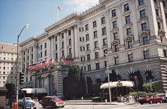 San Francisco California  - Fairmont Hotel -  Knob Hill _ (Onasill ~ Bill Badzo) Tags: san francisco ca california fairmont hotel nob hill nrhp register popular 4 diamond 950 manson street historic place flags resorts chain raffles international hollywood films featured many series tv st gregory america preservation national trust nthp onasill architecture beaux arts style home stars old vintage film photo