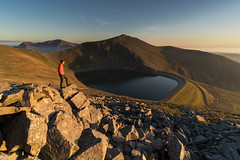 'Evening Light Over Marchlyn' - Carnedd-Y-Filiast, Snowdonia (Kristofer Williams) Tags: landscape wales snowdonia carneddyfiliast marchlynmawr mountain mountains elidirfawr lake figure selfie portrait rocks light evening summer