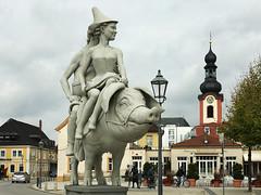 Ritt auf dem Glücksschwein (VenusTraum) Tags: schwein glück ritt schwetzingen porc city stadt schlosspark pig lucky