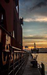 Sunset no Porto do Rio de Janeiro (mariohowat) Tags: praçamauá novapraçamauá zonaportuária sunset crepúsculo pôrdosol natureza riodejaneiro brasil brazil canon