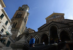 Duomo di Amalfi (moniq84) Tags: duomo piazza amalfi cattedrale di santandrea coast costiera amalfitana salerno campania italia italy world travel architecture church people blue sky arab art light sunny