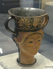 Aiani Museum, Hellenistic Double headed Terracotta Rhyton (2).JPG (tobeytravels) Tags: macedon macedonia alexanderthegreat alexandrthe3rd macedoniagreece makedonia timeless macedonian macédoine mazedonien μακεδονια македонија votive gravegoods clay figurine