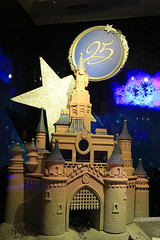 25 years of Disneyland Paris (Somewhere, Lost) Tags: disney village france paris disneyland disneylandparis discoveryland adventureland frontierland fantasyland night nightphotography