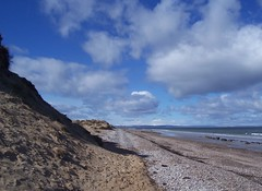 Findhorn Beach, Moray Coast, April 2018 (allanmaciver) Tags: findhorn beach moray coast scotland sea sand clouds dunes height enjoy wander allanmaciver