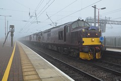 """West Coast Railway Company Class 37/5's, 37685 """"Loch Arkaig"""" & 37669 (37190 """"Dalzell"""") Tags: wcrc westcoastrailwayscompany maroondip ee englishelectric type3 growler tractor class37 class375 37669 37129 d6829 37685 locharkaig 37234 d6934 bls branchlinesociety 565railtours the565special railtour chartertrain northwestern wigan"""