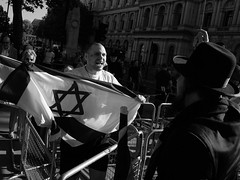 Confused politics (Darryl Scot-Walker) Tags: londonstreetphotographers streetphotography london downingstreet protest demonstration gaza palestine rightwing jew worldevents news photojournalism bw monochrome blackandwhite