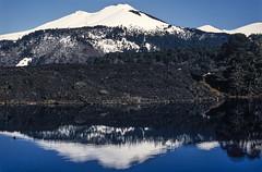 Volcán Llaima (Mono Andes) Tags: andes chile chilecentral regióndelaaraucanía volcánllaima parquenacional parquenacionalconguillío reflejos volcán volcano volcanoe lava lagunaarcoiris invierno randonné esquí ski skitour