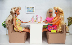 Sun Jewel Barbie, Tropical Splash, Hawaian Fun Barbie dolls (alenamorimo) Tags: barbie barbiedoll dolls cafe barbiecollector