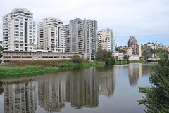Riverside Highrise Habitation - Viña Del Mar (unclebobjim) Tags: viñadelmar valparaiso chile highriseconstruction block apartments riverside estuary river