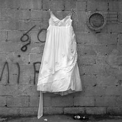 ... (johnny walker no label) Tags: mamiyac220 mediumformat blackwhitephotography bazaar walls