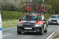 BMC Team Car (Steve Dawson.) Tags: tourdeyorkshire mens cycle race bikes peloton uci stage1 beverleytodoncaster teams car skidby yorkshire england uk canoneos50d canon eos 50d ef28135mmf3556isusm ef28135mm f3556 is usm 3rd may 2018